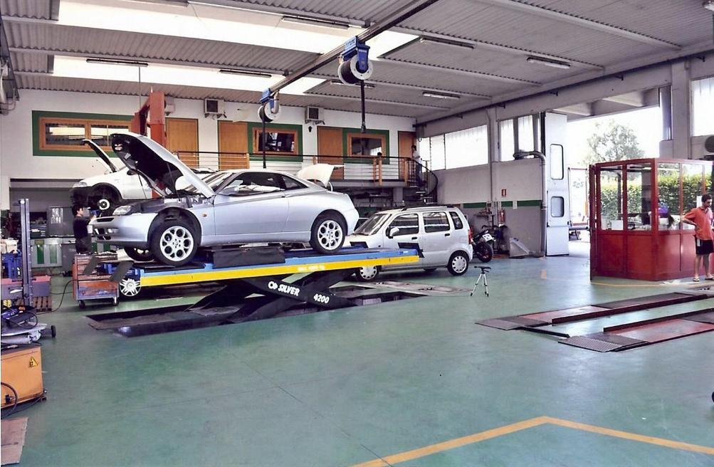La prevenzione incendi nelle autofficine l utilizzo for Garage dm auto livry gargan